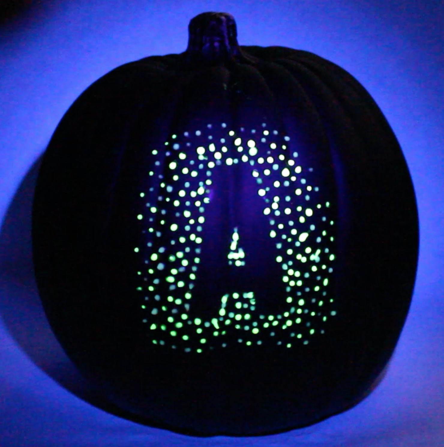blacklight-pumpkin